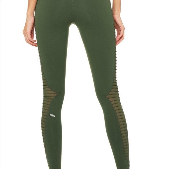 61f8147a704a34 ALO Yoga Pants | Luminous Legging Large Hunter Green | Poshmark